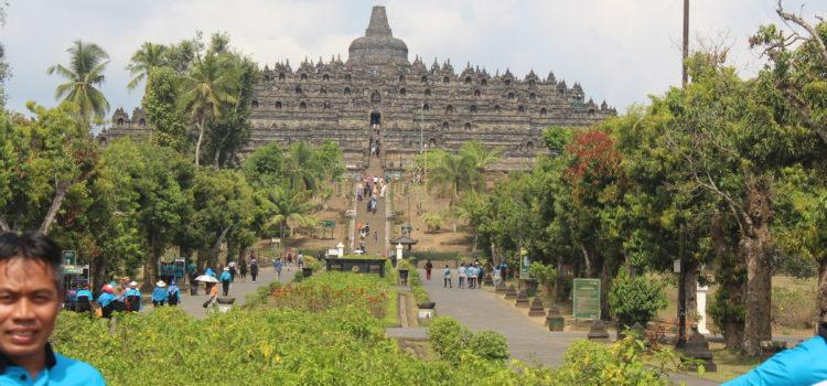 Belajar Sejarah dengan Study Tour ke Candi Borobudur